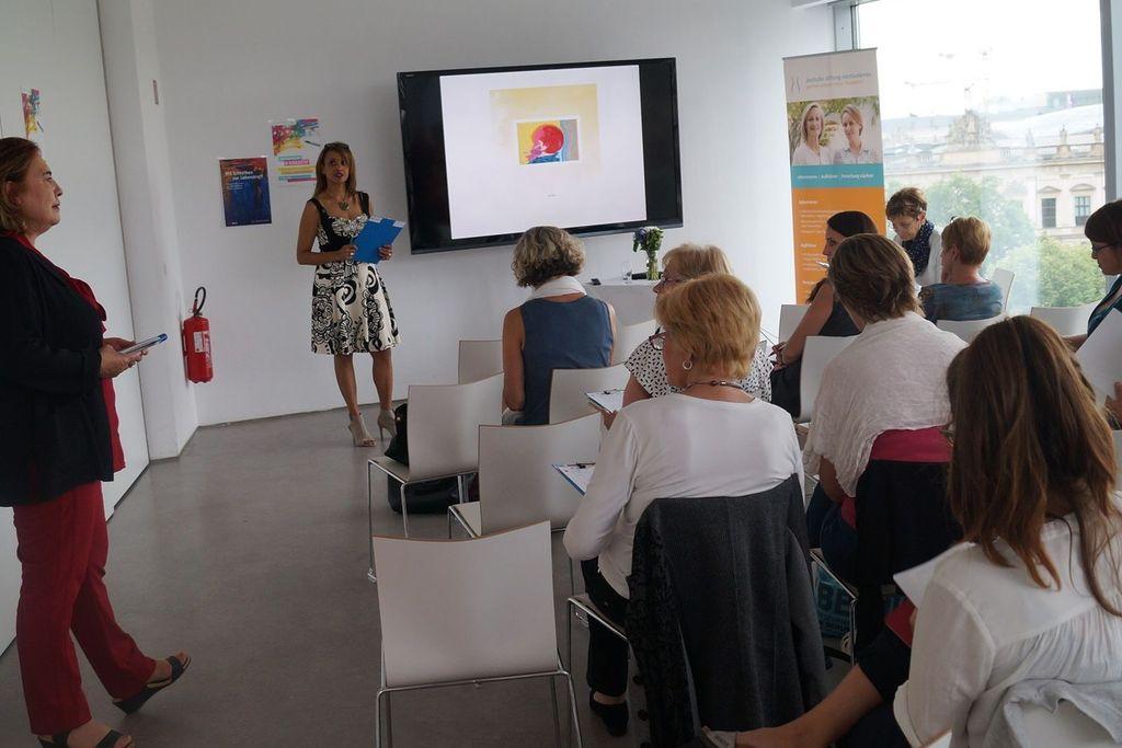 Vergrößern: Start der Schreibtour im Humboldt-Forum Berlin, Foto: Susanne Fechner
